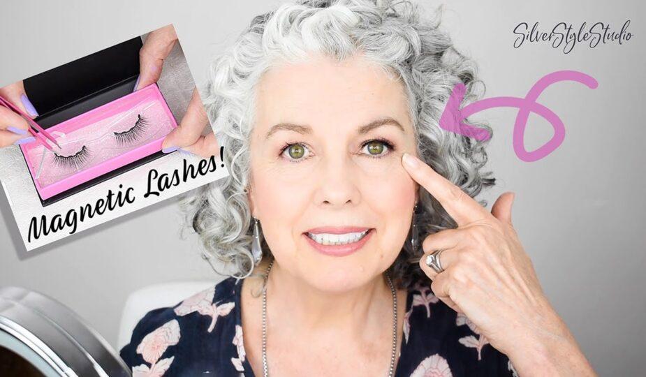 Kerry-Lou tries Moxie Lashes